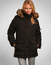 World Class Parkas SEK 895, Jeane Blush - NELLY.COM