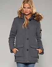 Tove City Parkas NOK 899, Jeane Blush - NELLY.COM