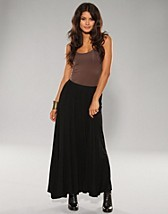 Abby Long Skirt SEK 39, Jeane Blush - NELLY.COM