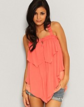 Lea Top SEK 249, Jeane Blush - NELLY.COM
