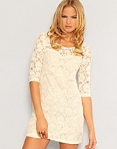 Flora Dress SEK 249, Jeane Blush - NELLY.COM