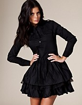 Ann-Marie Dress DKK 429, Jeane Blush - NELLY.COM