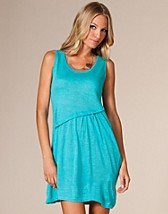 Rebecca Dress EUR 9,95, Jeane Blush - NELLY.COM