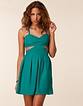 Party dresses , Linda Dress , Jeane Blush - NELLY.COM