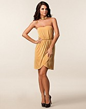 Party dresses , Kelly Dress , Jeane Blush - NELLY.COM