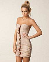 Party dresses , Sophia Dress , Jeane Blush - NELLY.COM