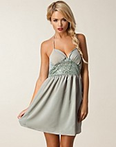 Party dresses , Ellinore Dress , Jeane Blush - NELLY.COM