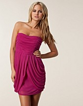 Party dresses , Sienna Dress , Jeane Blush - NELLY.COM