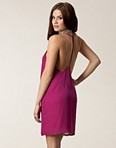 Party dresses , Isobell Dress , Jeane Blush - NELLY.COM