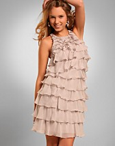 Frill Dress SEK 999, Lipsy - NELLY.COM