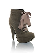Shelly NOK 399, Nelly