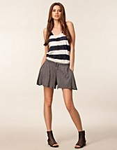 Trousers & shorts , Janey Shorts , Cheap Monday - NELLY.COM