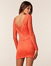 Festkjoler , Lace Low Back Dress , Lili London - NELLY.COM