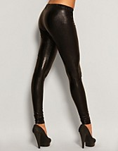 Wet Look Leggings EUR 20,00, Rare Fashion - NELLY.COM