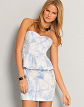 Denim Frill Dress SEK 99, Rare Fashion - NELLY.COM