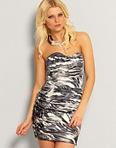 Zebra Stripe Tube Dress SEK 199, Rare Fashion - NELLY.COM