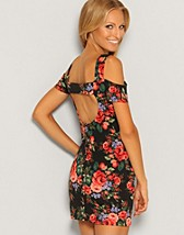 Floral off Shoulder Dress SEK 199, Rare Fashion - NELLY.COM