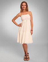 Anne Tube Dress SEK 359, Vila - NELLY.COM