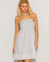 Amba Tube Dress SEK 299, Rut m.fl. - NELLY.COM