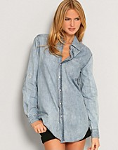 D. Boyfriend Denim Shirt SEK 299, Serious Sally by Rut m.fl. - NELLY.COM