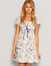 Price Emely 5 Dress SEK 159, Rut m.fl. - NELLY.COM