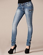 Kate Sus Zip Jeans SEK 399, Serious Sally by Rut m.fl. - NELLY.COM
