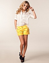 Byxor & shorts , Price Tilla Shorts , Serious Sally by Rut m.fl. - NELLY.COM