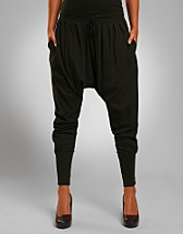 Shake Long Harem Pants EUR 14,90, Serious Sally by Rut m.fl. - NELLY.COM