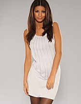 Rockford Zip Dress SEK 259, Serious Sally by Rut m.fl. - NELLY.COM