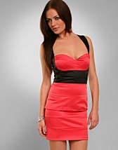 Coral Black Dress SEK 599, Elise Ryan - NELLY.COM