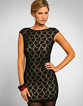 Twisted Strap Lace Dress SEK 399, Elise Ryan - NELLY.COM