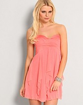 Watrfall Mesh Dress SEK 449, Elise Ryan - NELLY.COM