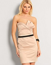 Bodycone Perfect Dress EUR 49,90, Elise Ryan - NELLY.COM