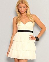 Frill Chiffon Dress SEK 499, Elise Ryan - NELLY.COM