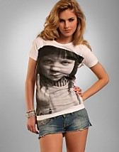 Baby T-Shirt SEK 249, Dark Muse - NELLY.COM