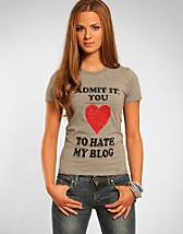 Love To Hate My Blogg Tee SEK 199, Blog Tees - NELLY.COM