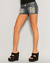 Prince Low Tania Shorts SEK 399, Only - NELLY.COM