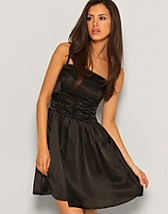 London Dress EUR 29,90, Only - NELLY.COM