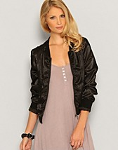 Satin Cropped Jacket SEK 229, Only - NELLY.COM