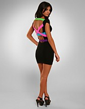 Strappy Back Dress SEK 799, Quontum - NELLY.COM