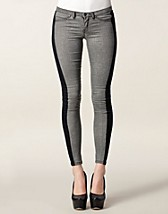 Jeans , Venedig Jeggings , Sort Denim - NELLY.COM
