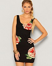 Zoe Dress SEK 449, Motel - NELLY.COM