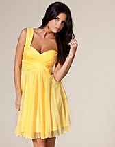 Oneshoulder Bustier Dress SEK 399, Three Little Words - NELLY.COM