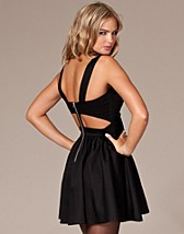 Black Cut Out Prom Dress SEK 399, Three Little Words - NELLY.COM