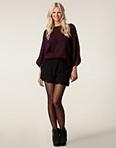 Byxor & shorts , Beaded Scallop Hem Shorts , 18 And East - NELLY.COM