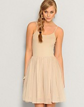 Alba Strap Dress SEK 299, Vero Moda - NELLY.COM