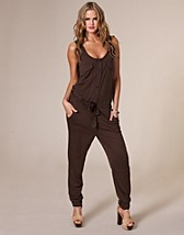 Flap Pocket Jumpsuit DKK 299, Vero Moda - NELLY.COM