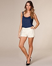 Ida Lace Mini Shorts SEK 299, Vero Moda - NELLY.COM