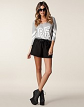 Trousers & shorts , Close Shorts , Very BY Vero Moda - NELLY.COM