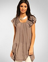Tunic With Gathers SEK 499, Saint Tropez - NELLY.COM